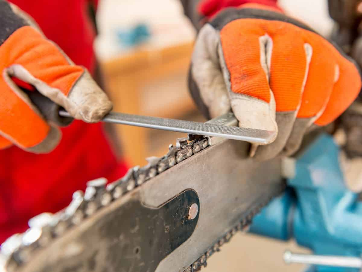 Which grinding tools you choose to sharpen your chainsaw chain